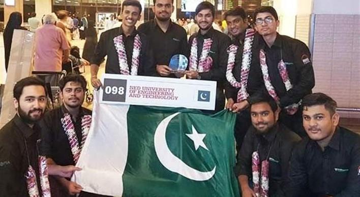 ماشین فرمول یک طراحیشده توسط دانشجویان دانشگاه کراچی پاکستان رتبه برتر مسابقات بینالمللی سیلور استون انگلیس را به خودا اختصاص داد