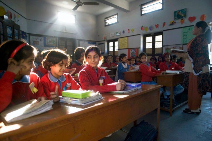 امکانات آموزش آنلاین رایگان مناسب برای همه کودکان در شهر پیشاور، ایالت خیبر پخت و نخوا (K-P)